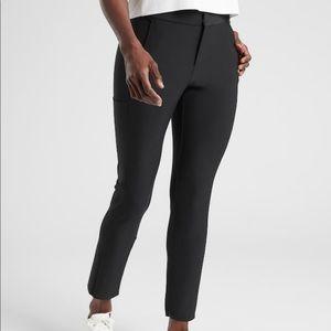 Athleta Stellar Trouser Size 4. Black. Worn ONCE.